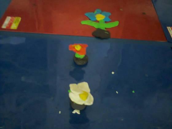 floarea din plastilina