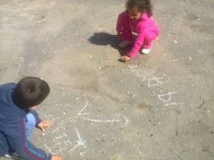 scriem pe asfalt